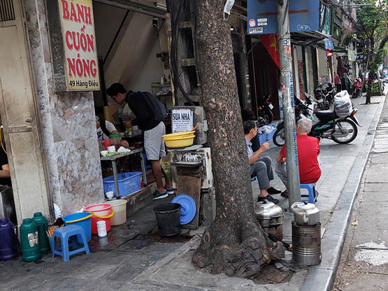 Hanoi vows to remove deadly stoves by 2020